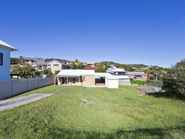 45 Squire Street, Fingal Bay, NSW 2315