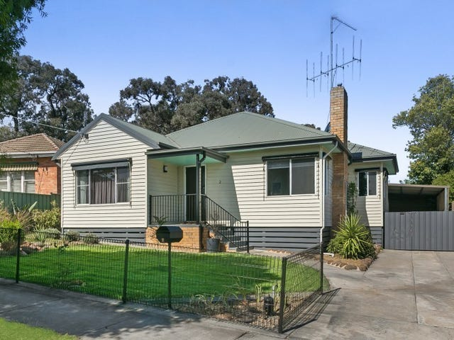 2 Swalling Crescent, Kennington, Vic 3550