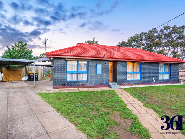 7 COOPER STREET, Melton South, Vic 3338