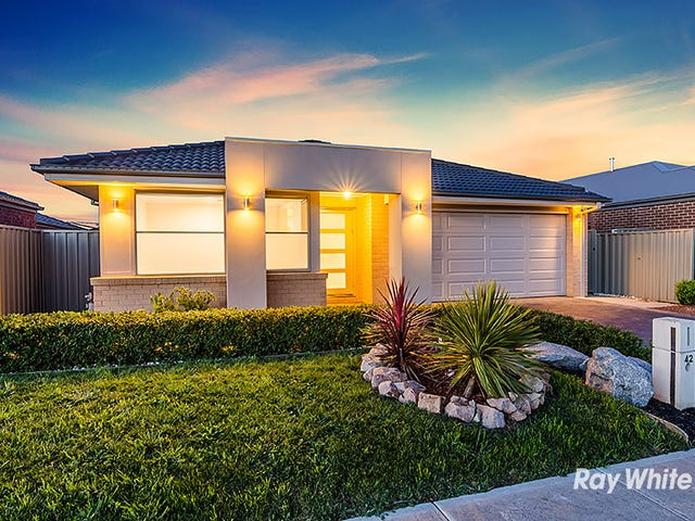 42 Challenger Circuit, Cranbourne East, Vic 3977