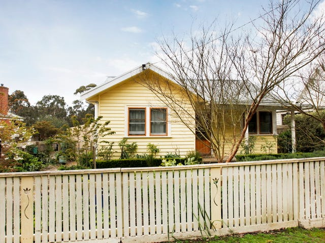22 Jeffreys Street, Woodend, Vic 3442