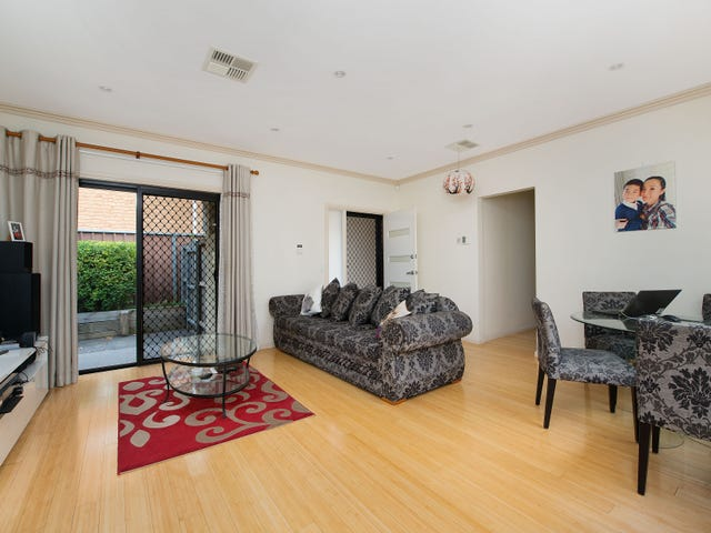 2/13 Napier Crescent, North Ryde, NSW 2113