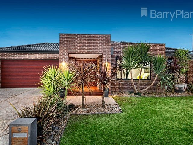 8 Fieldstone Crescent, Cranbourne North, Vic 3977