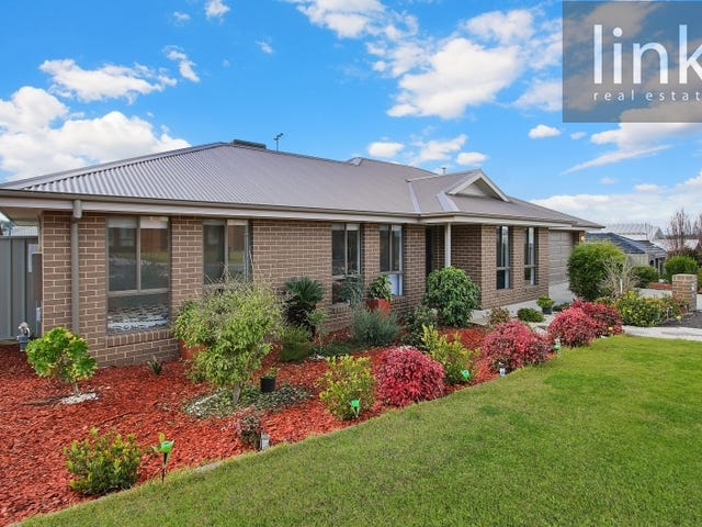 17 Honeyeater Circuit, Thurgoona, NSW 2640