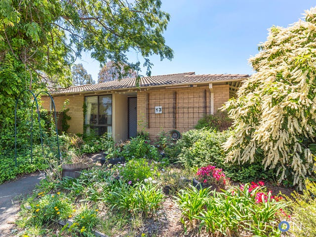 13 Waterfield Place, Charnwood, ACT 2615