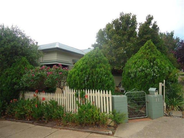 11 Coleman St, Turvey Park, NSW 2650