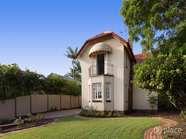 490 Cavendish Road, Coorparoo, Qld 4151