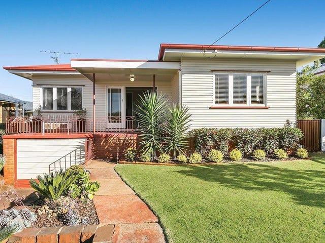 22 Cranley Street, South Toowoomba, Qld 4350
