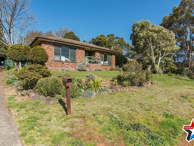 19 Elsie Street, Wandin North, Vic 3139