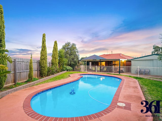 10 Evelyn Close, Melton West, Vic 3337