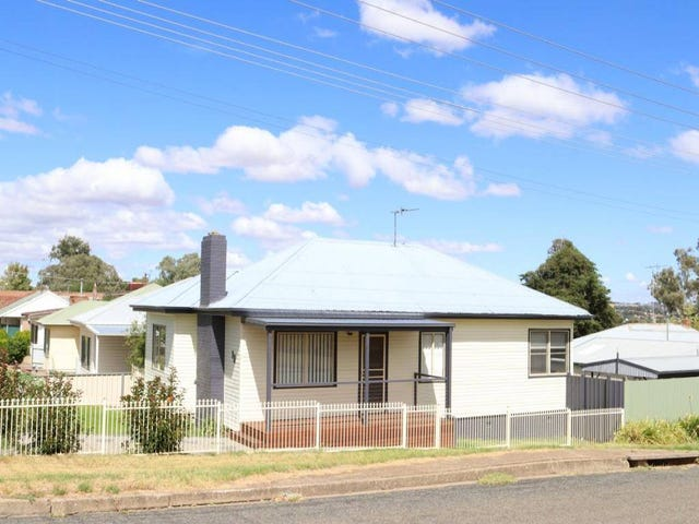 13 Taylor Road, Young, NSW 2594