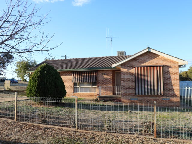 2 Warragrah Place, Parkes, NSW 2870