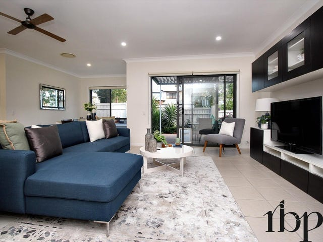 4/7 Greenway Circuit, Mount Ommaney, Qld 4074