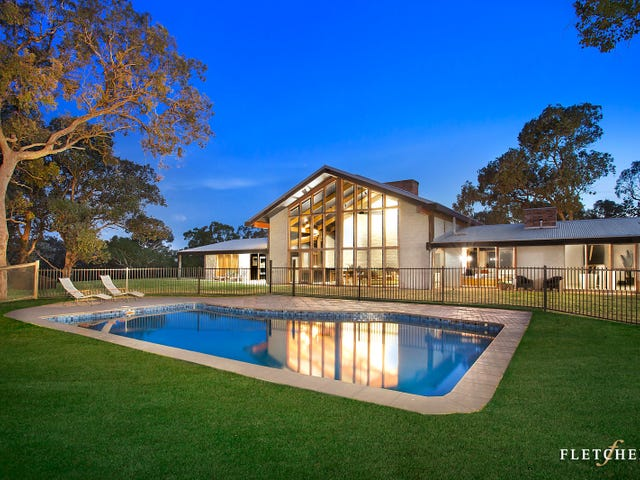 4 Camelot Close, Research, Vic 3095