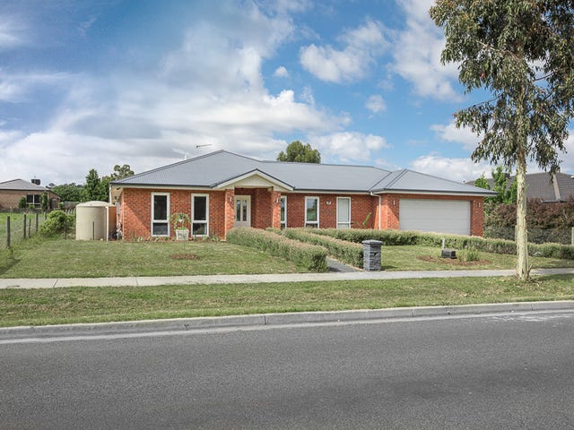 107 Willowbank Road, Gisborne, Vic 3437