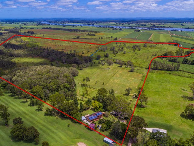 126 Golf Links Road, Woodford Island, NSW 2463