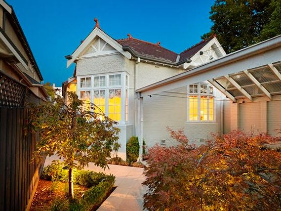 2A Mathoura Road, Toorak, Vic 3142