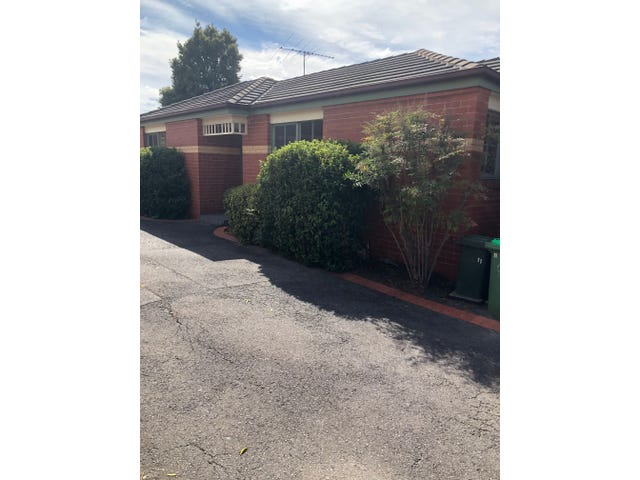 11/111 Martins Lane, Viewbank, Vic 3084