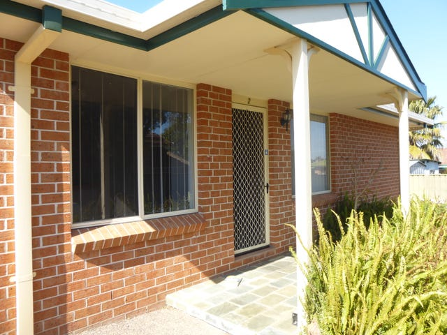 2/15 Charles Coxen Close, Tamworth, NSW 2340