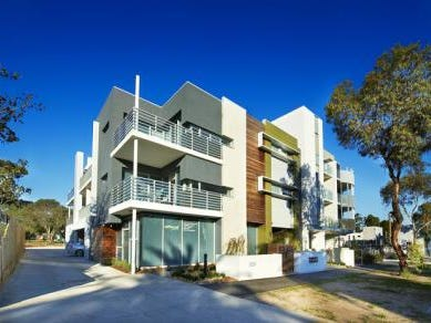120/1044-1046 Mt Alexander Road, Essendon, Vic 3040