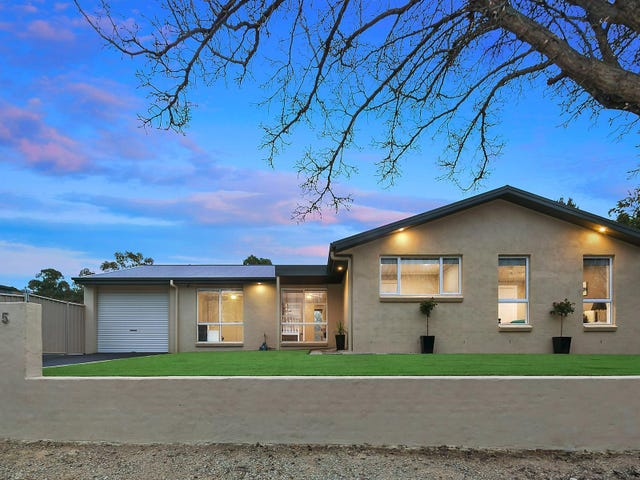 5 Burhop Close, Theodore, ACT 2905