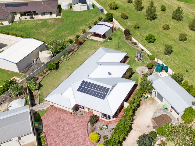 10 Marlowe Court, Westbrook, Qld 4350