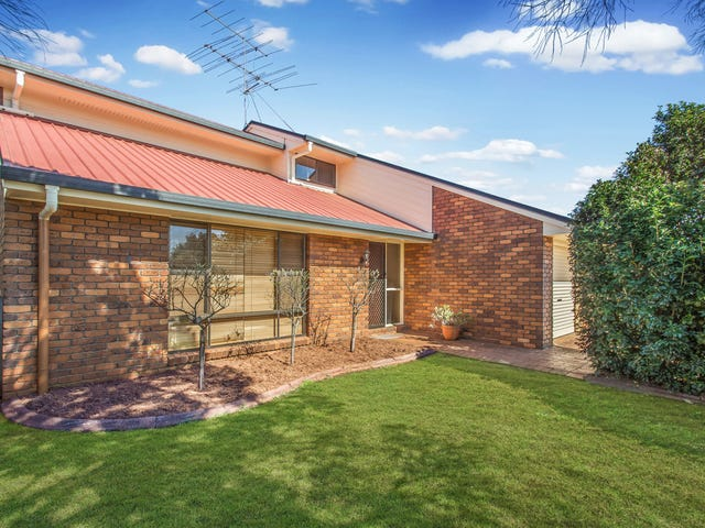 16 Jull Drive, Centenary Heights, Qld 4350