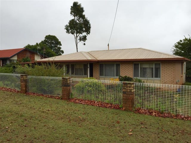 31 Champagne Crescent, Wilsonton Heights, Qld 4350