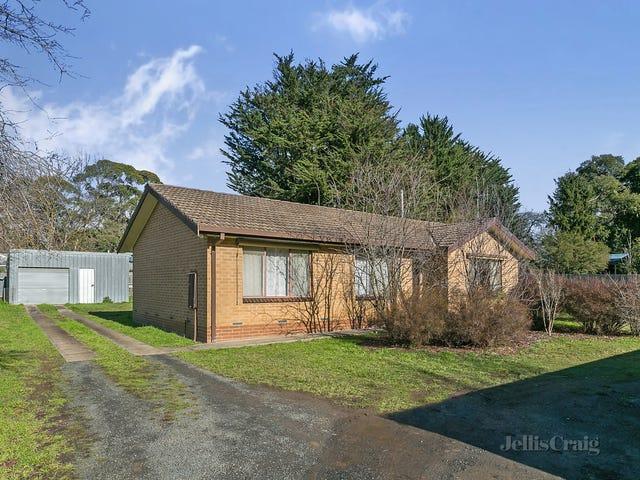 6 Corinella Road, Woodend, Vic 3442