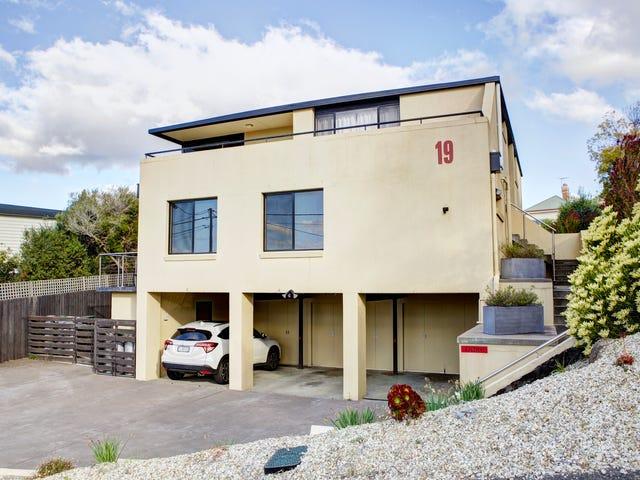 2/19 Whelan Crescent, West Hobart, Tas 7000