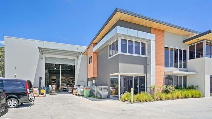 Unit 2, 19 Harrington Street Arundel QLD 4214 - Image 1