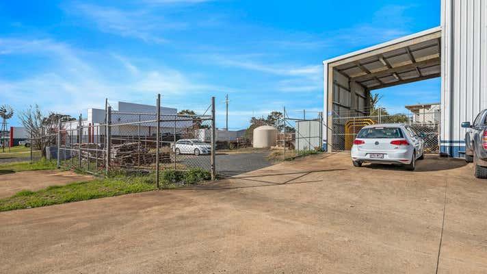 303 Taylor Street Wilsonton QLD 4350 - Image 16