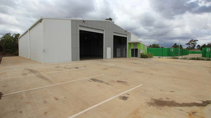 27 Croft Crescent Harristown QLD 4350 - Image 2