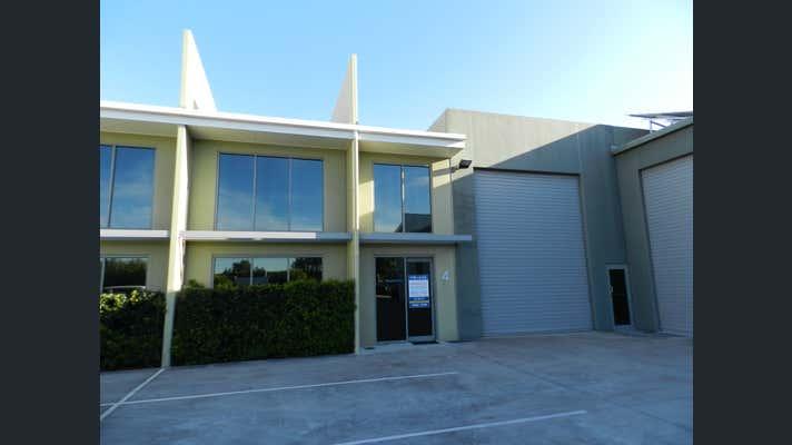 Unit 4 14-28 Ivan Street Arundel QLD 4214 - Image 1