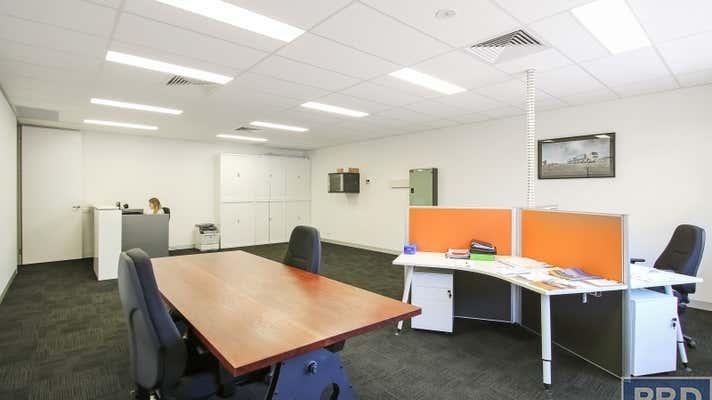 Suite 3, FF  526 Macauley Street Albury NSW 2640 - Image 2