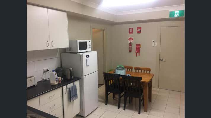 Unit  3, 9 Gateway Crescent Orange NSW 2800 - Image 6