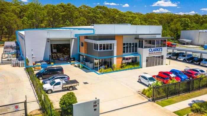 Unit 2, 19 Harrington Street Arundel QLD 4214 - Image 2