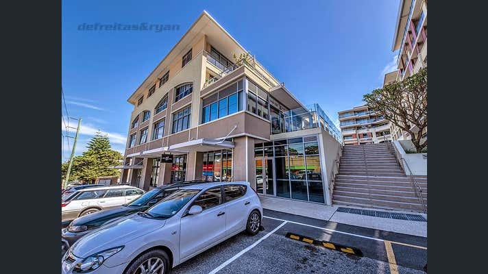 24/3 Silas Street East Fremantle WA 6158 - Image 2