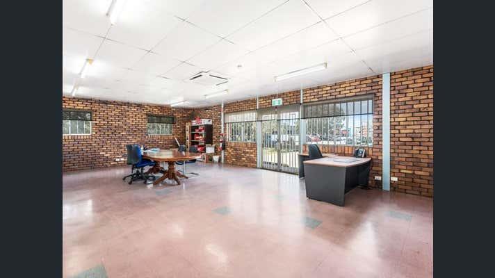 1 Tews Court Wilsonton QLD 4350 - Image 2