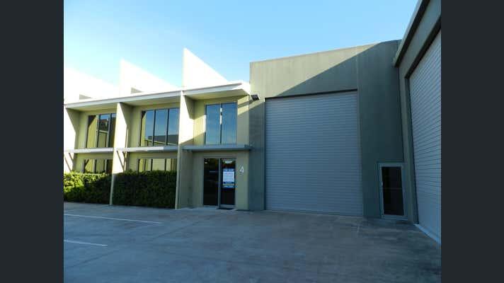 Unit 4 14-28 Ivan Street Arundel QLD 4214 - Image 2