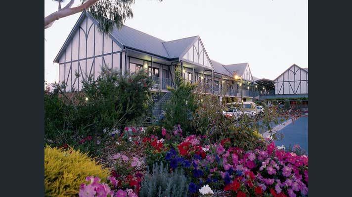 Country Comfort Adelaide Manor, 574 Main Road North Gepps Cross SA 5094 - Image 1