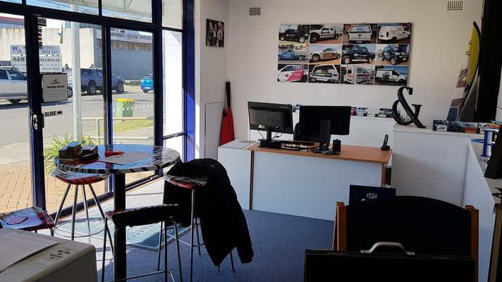 35 Winborne Road Brookvale NSW 2100 - Image 2