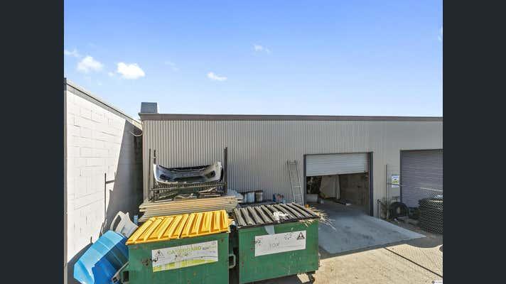 2, 16 Mungalla Street Wynnum QLD 4178 - Image 1