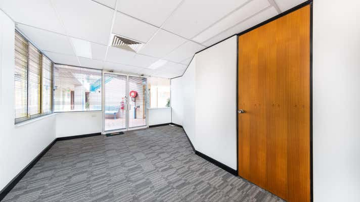 8/22 Fisher Road Dee Why NSW 2099 - Image 2