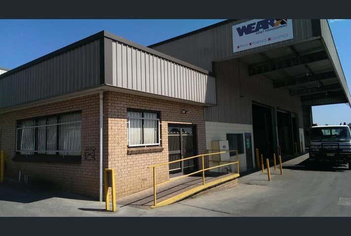 2 Stephen Place Orange NSW 2800 - Image 1