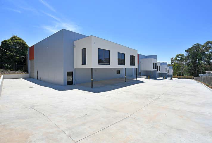 1/5 Clancys Road Mount Evelyn VIC 3796 - Image 1