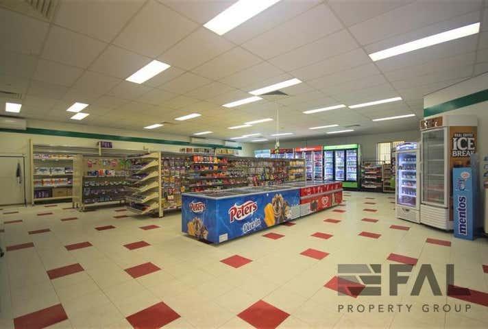 Shop  4B, 2 Kirkdale Road Chapel Hill QLD 4069 - Image 1