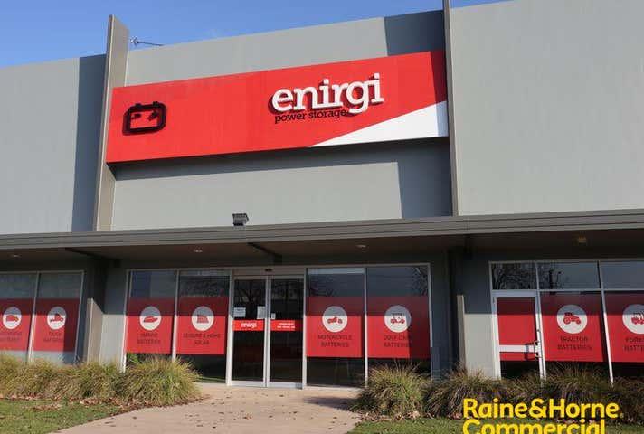 2/142-144 Hammond Avenue Wagga Wagga NSW 2650 - Image 1