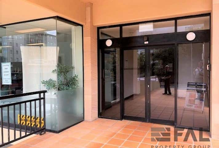 Room (18sqm), 40 Station Road, Indooroopilly, Qld 4068