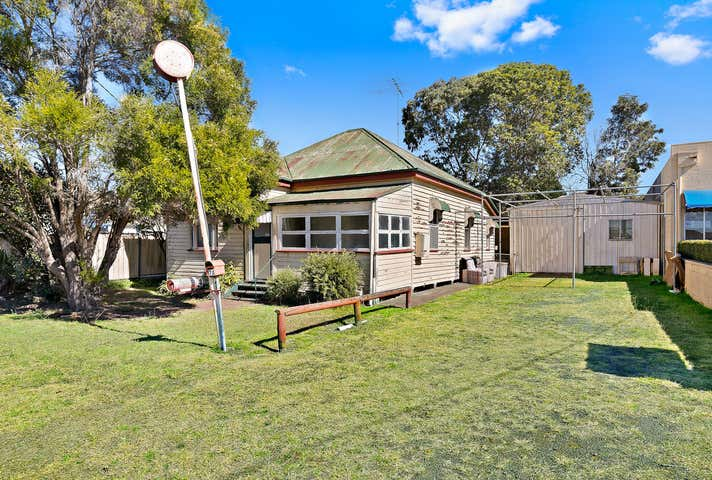 7 Tointon Street Toowoomba City QLD 4350 - Image 1